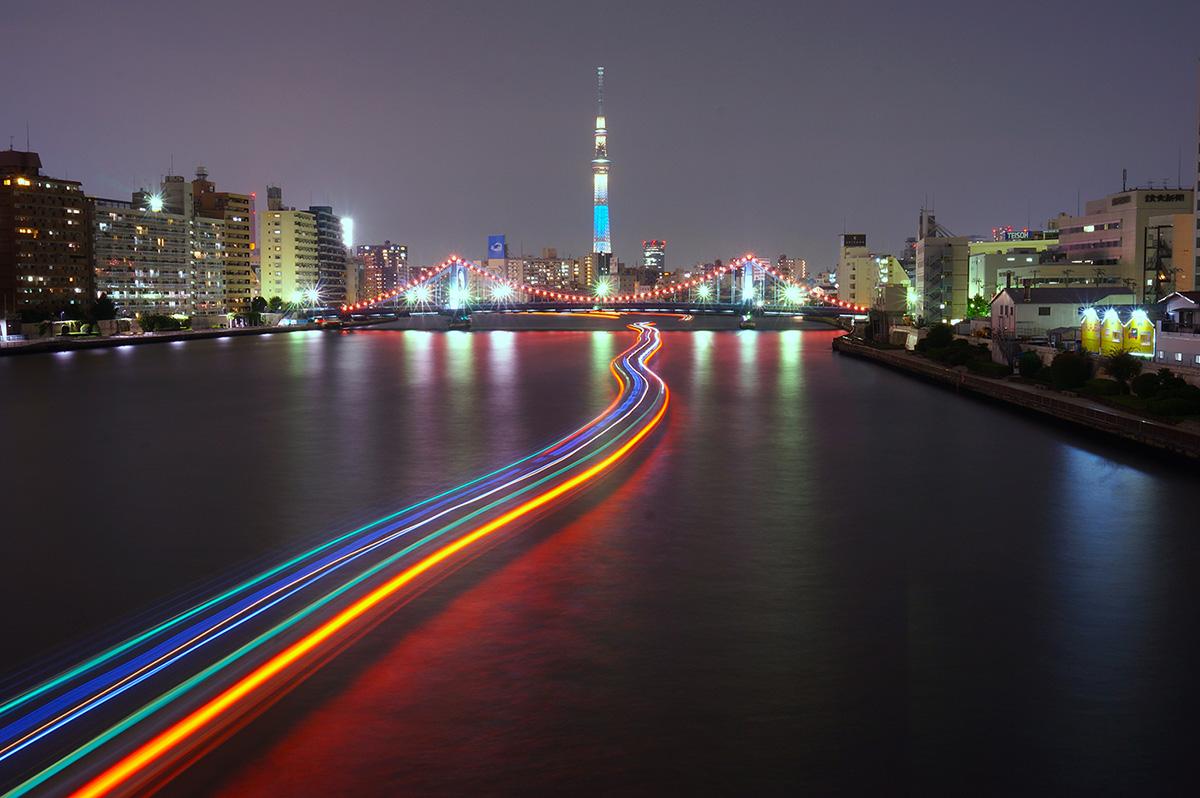 被在隅田川的夜景迷住