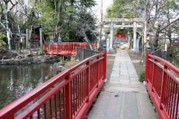 The Tomioka Hachimangu Shrine precincts (shichitoshinsha)