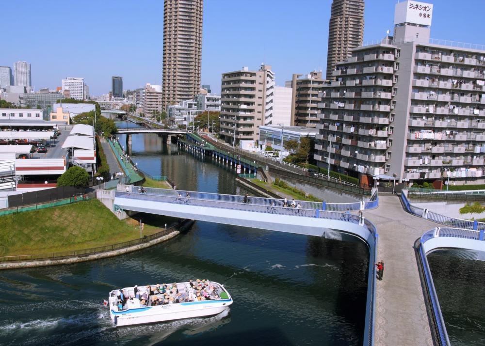 Onagigawa River Clover-kyo Bridge
