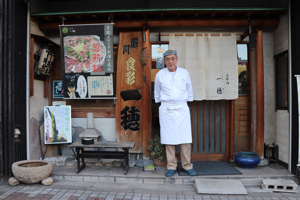 "[Koto Who's who in Koto-ku] Oyama who says that we want to convey fuka river ""one ear"" (issui) storekeeper Toshihiro Oyama Fukagawa-meshi in history"
